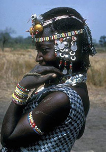 In Mali and other countries of the sahel region, there is also a history of metal bracelets used in the slave trade as well as metal bracelets that were exchanged as a form of currency