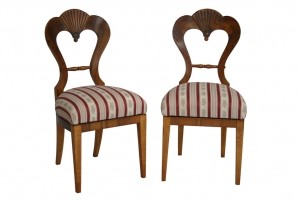 Chairs in biedermeier style, walnut veneer. Vienna, 1825.