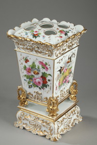 Louis-Philippe period porcelain bouquet holder.