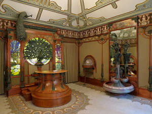 The jewellry shop of Georges Fouquet (Paris) designed by Alphonse Mucha (1901)