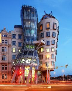 Frank Gehry, Dancing House, Prague