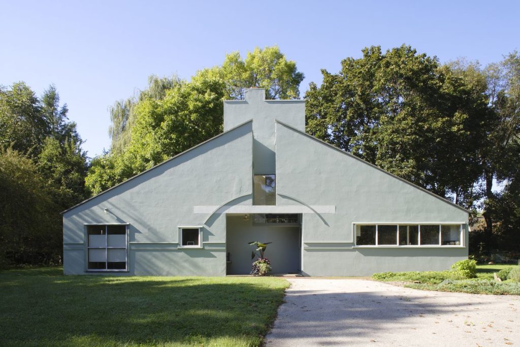 Vanna Venturi House, designed by Robert Venturi in 1964.