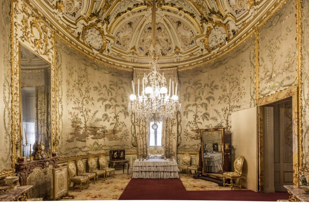 Oval Cabinet in Pitti Palace, Florence.
