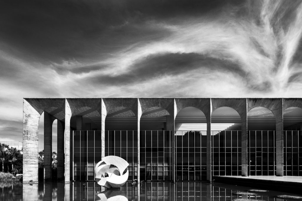 Itamaraty Palace, a perfect example of column-like exterior and reflecting pool in Niemeyer's architecture.