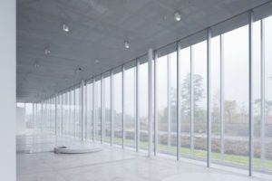 Abstract, minimal spaces and inclusiveness. Louvre-Lens Museum.