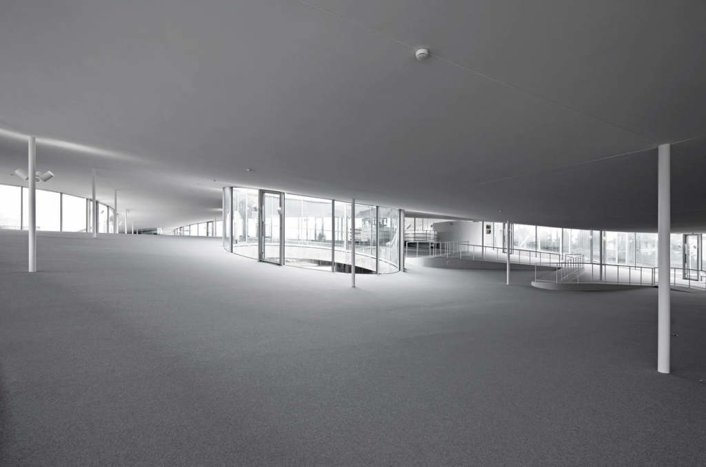 Rolex Learning Center, interior. A space with no barriers.