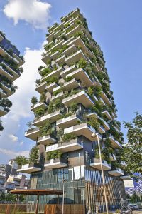 This image has an empty alt attribute; its file name is Vertical-Forest-apartment-building-in-Milan.jpg